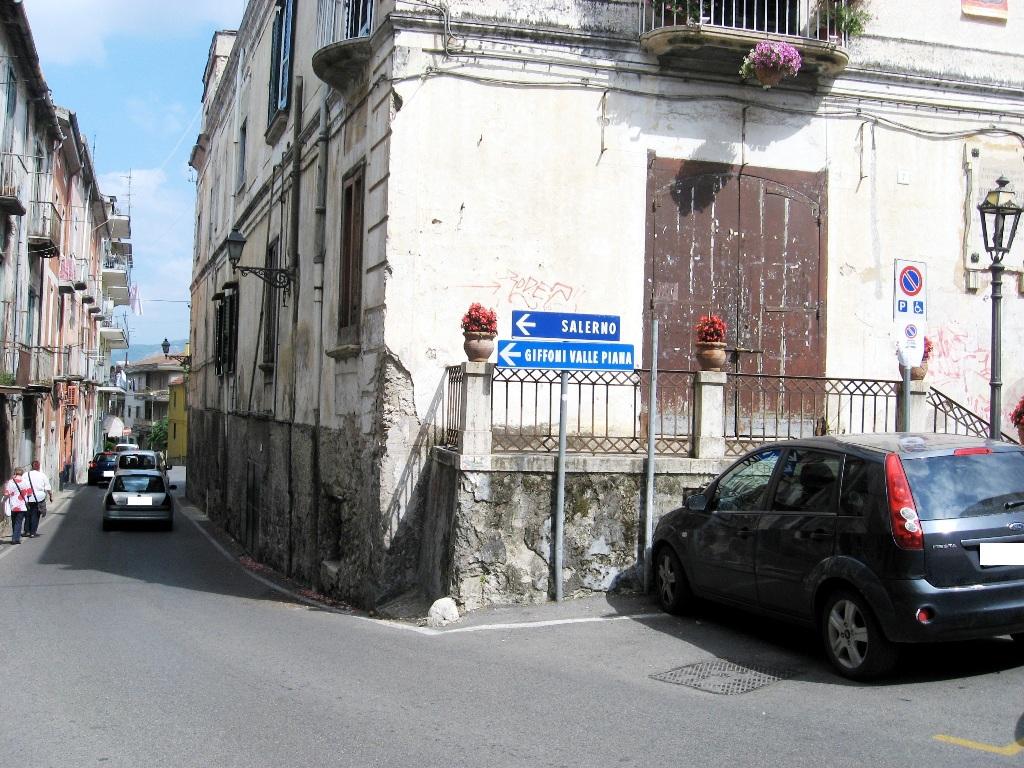 Abitazione con ingresso indipendente in vendita a Montecorvino Rovella (SA)