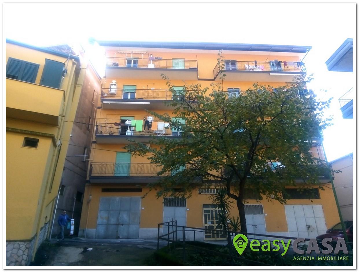 Appartamento uso investimento in vendita a Montecorvino Rovella (SA)