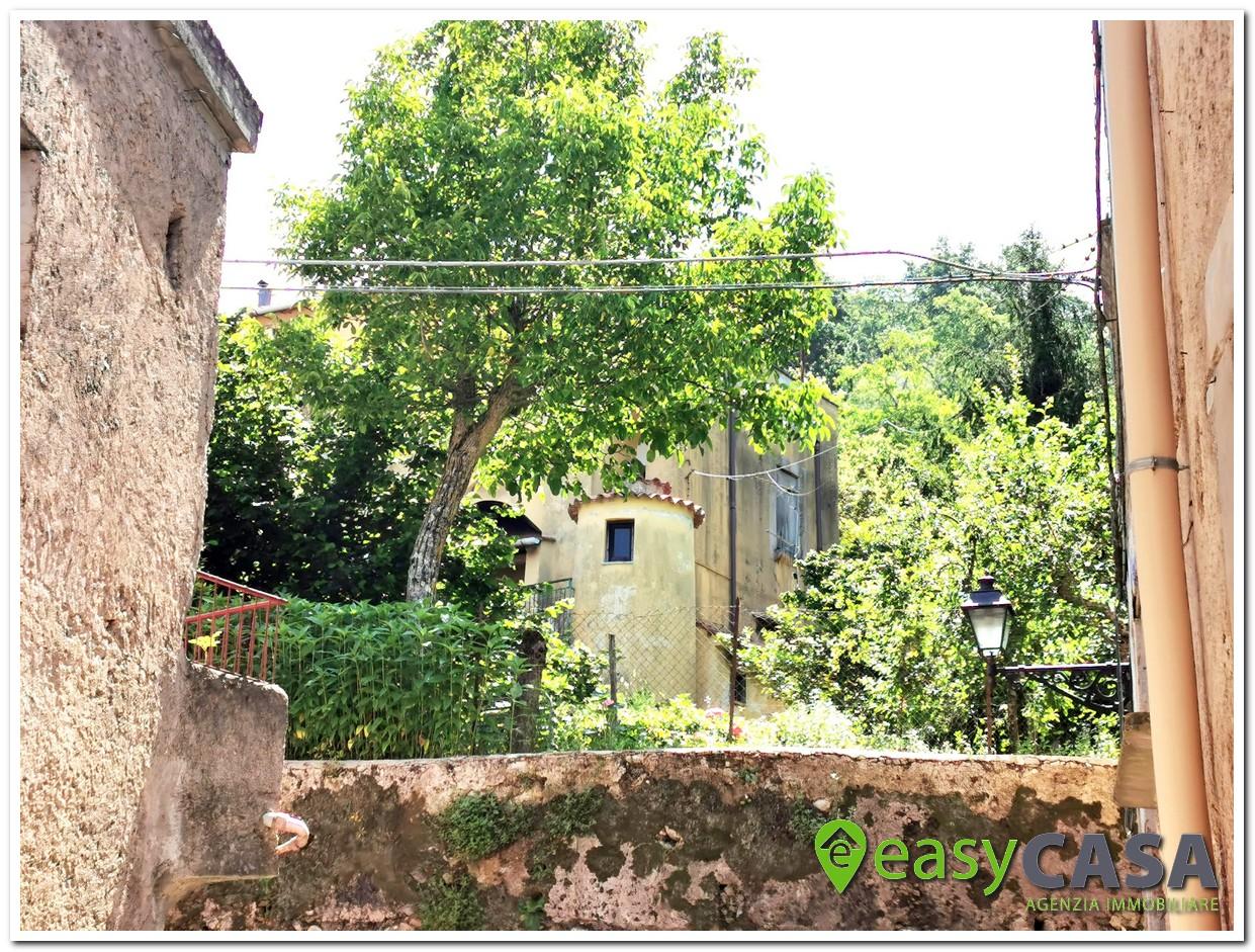 Casa con terreno a Montecorvino Rovella (SA)
