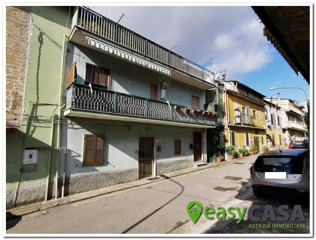Semindipendente con garage a Montecorvino Rovella (SA)