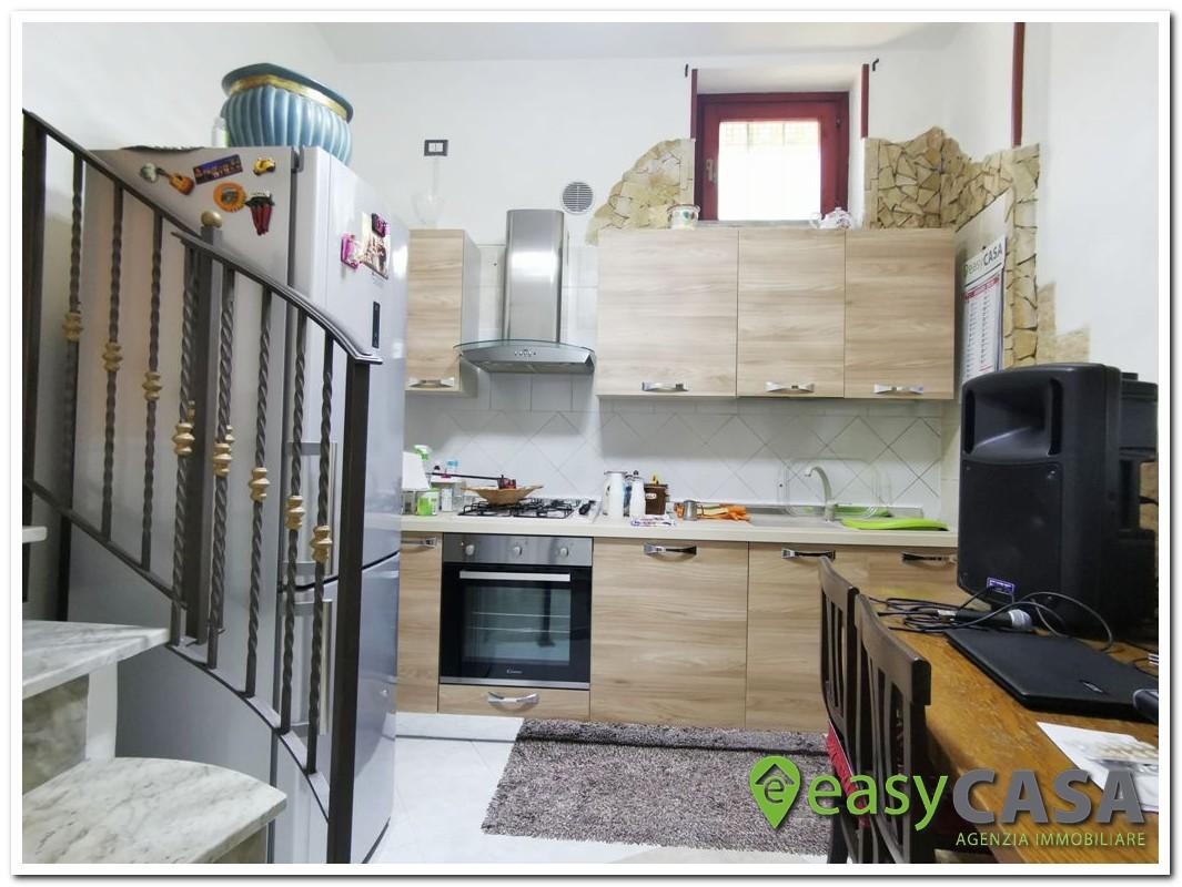 Casa con ingresso indipendente a Montecorvino Rovella (SA)
