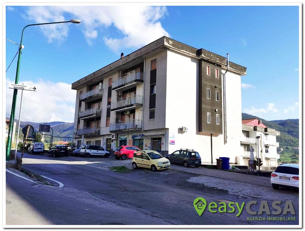 Appartamento con box e sottotetto a Montecorvino Rovella (SA)