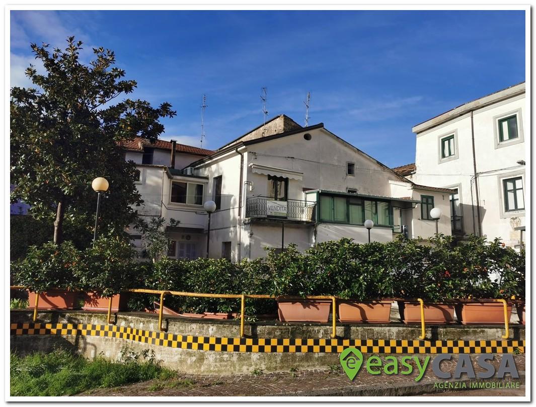 Soluzione con ingresso indipendente a Montecorvino Rovella (SA)